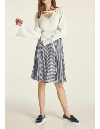 "Baltas megztinis ""Siu"""