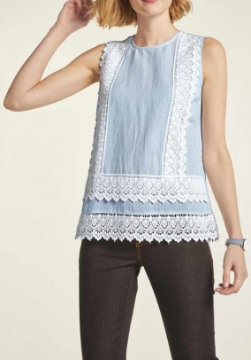 Linen top with lace, blue-white