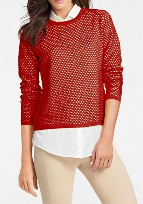Raudonas megztinis su marškinių imitacija