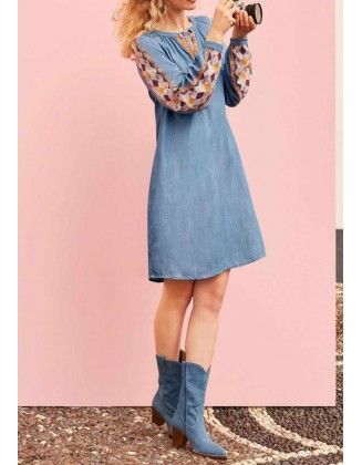 Siuvinėta džinsinė suknelė