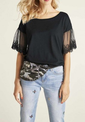 Jersey shirt with lace, black