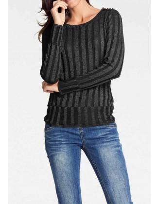 Juodas žvilgantis megztinis