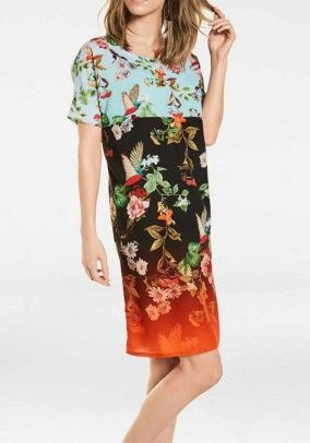 Augalų motyvais puošta suknelė