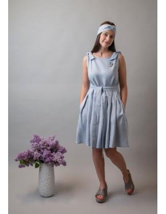 Melsva klostuota lininė suknelė