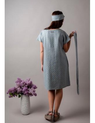 Taškuota lininė suknelė