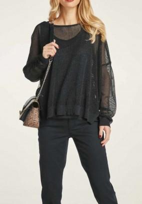 Juodo megztinio ir palaidinės komplektas