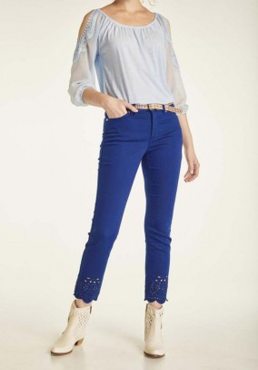 Mėlynos siuvinėtos kelnės