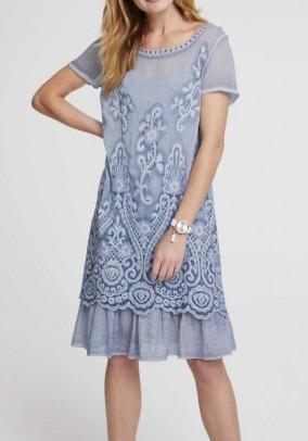 Mėlyna siuvinėta suknelė