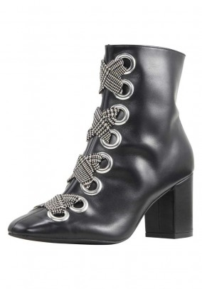 Leather bootie with laces, black