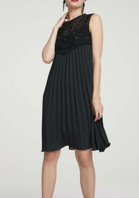 Cocktail dress with pearls, black