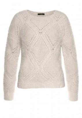 Fluffy sweater, nature