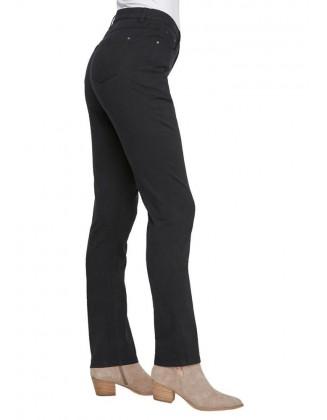 Didesnio dydžio juodi džinsai