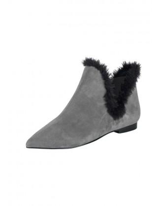 Pilki batai su kailiuku