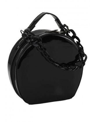 Lakuota juoda rankinė