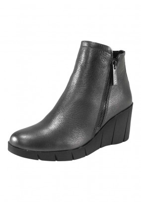 Leather bootie, grey