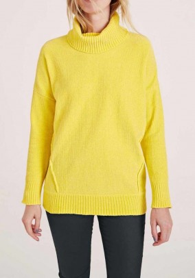 Turtleneck sweater, yellow