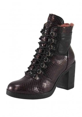 Leather ankle boots with warm lining, bordeaux metallic