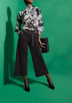 Culotte with chain element, black