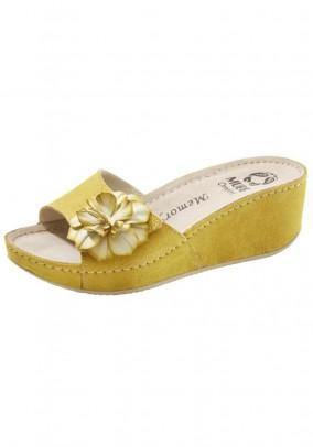 Slipper, yellow
