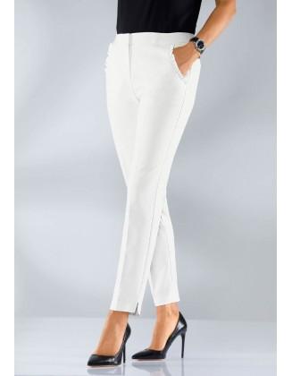 Didesnio dydžio baltos kelnės