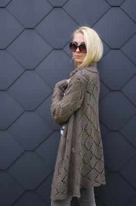 Šiltas ir ilgas chaki megztinis