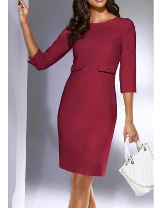 Tamsiai raudona suknelė