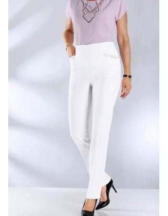 Didesnio dydžio formuojančios baltos kelnės