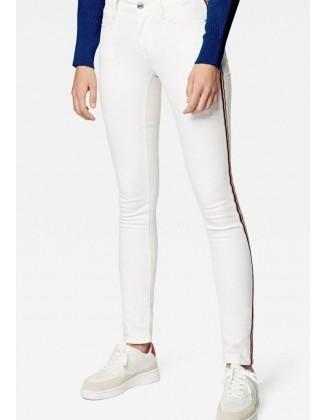 Balti aptempti džinsai