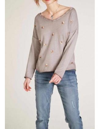 Plataus silueto megztinis