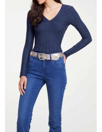 Tamsiai mėlynas megztinis...