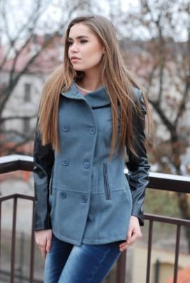 Paltas odinėmis rankovėmis